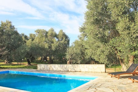 Little Farm House with private pool - Skopelos - Rumah