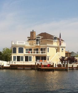 Luxurious Bay Front Home w/ Pool  - Seaside Heights - Hús