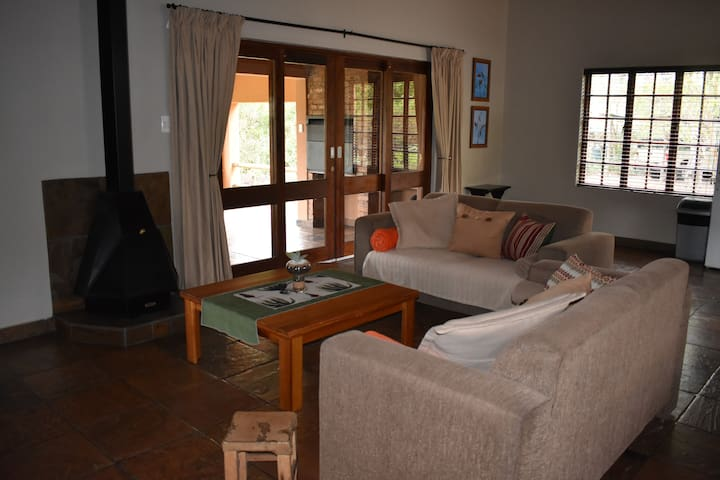 Aloe Ridge Guest Farm - Sunbird Cottage