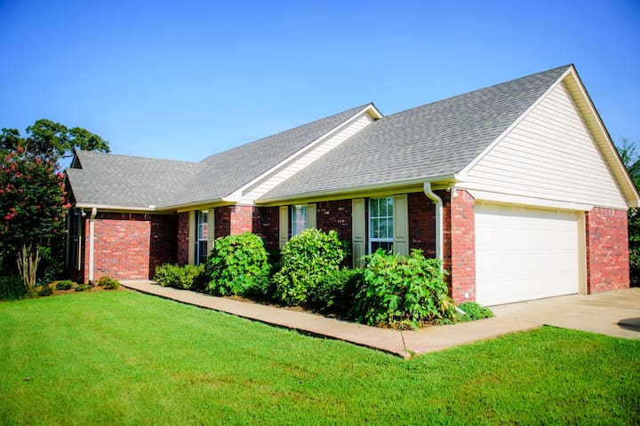 Newly renovated rental home 3 miles from campus