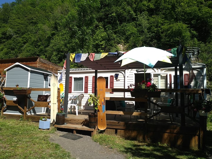 Charming mobile home at the moutain's feet