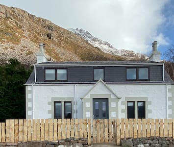 Torridon cottage with a view