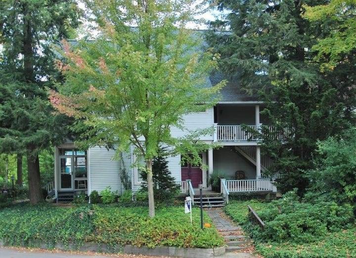 Yale Cottage #3