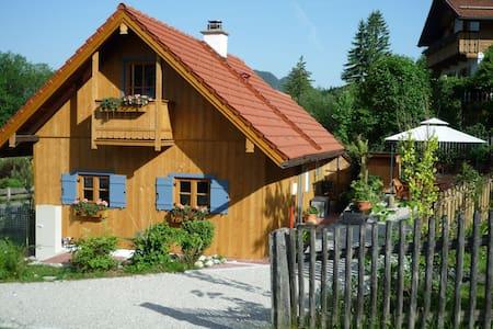 Lauschiges, freistehendes Holzhaus - Ettal