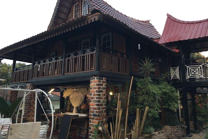 Teratak Omak Seh - Rawang - Guesthouse
