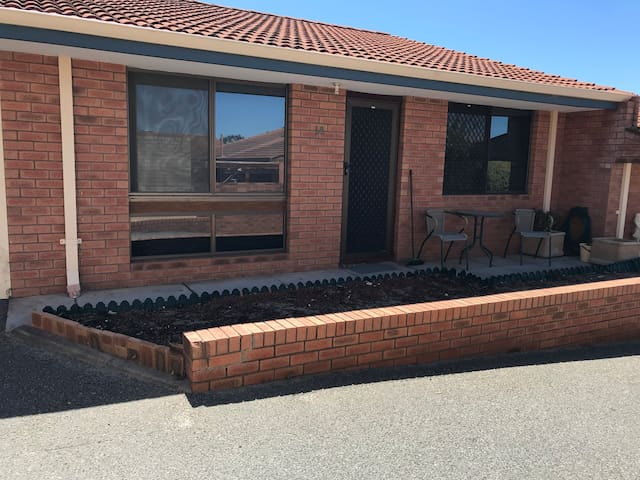 Comfortable 1 Bedroom Villa Situated in Melville