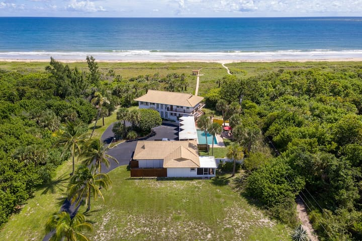 Extraordinary location, ocean, pool, and charm!!