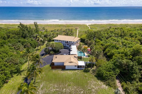 Extraordinary location, ocean path out your door!