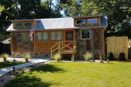 Rustic Retreat Tiny house