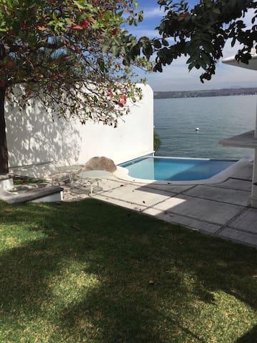 Casa En el Lago - Tequesquitengo - House