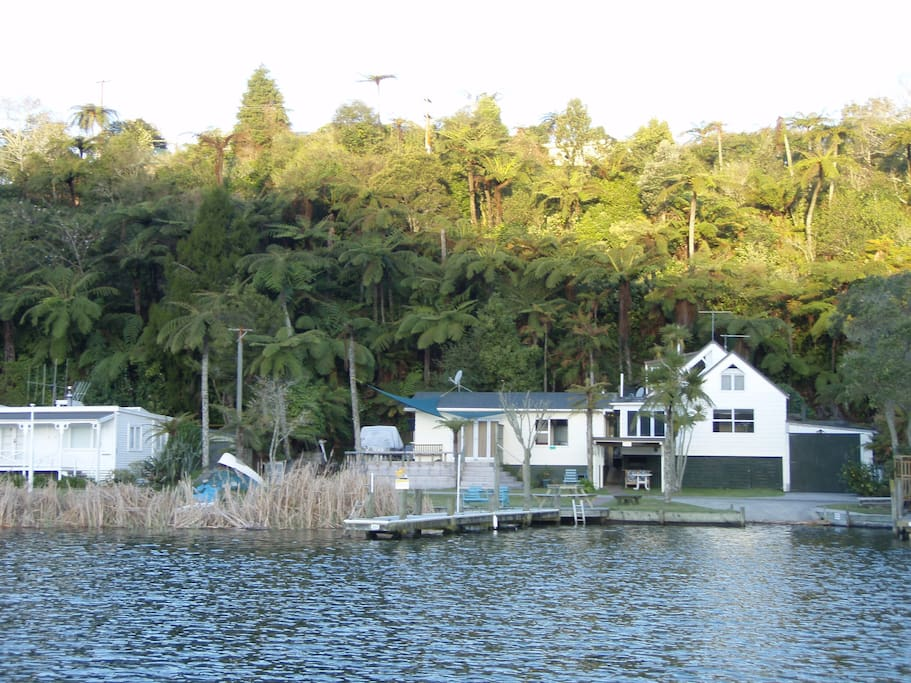Rotoiti Lakeside Cottages Two Cottages Rented separately or both together