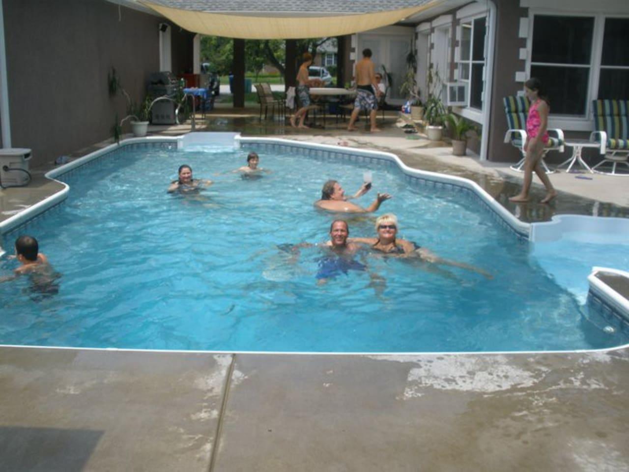 16x32 pool