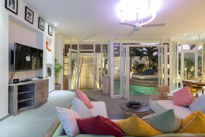 70% OFF* Modern Seminyak Pvt. Villa w/Pool+Parking