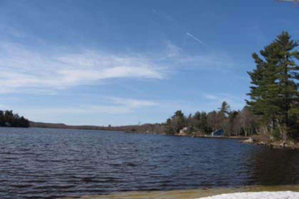 333 acre lake (Big Pond) two-minute walk from house, pristine water, shallow areas perfect for kids, great for kayaking, sailing, fishing, canoeing around islands and along state forest area