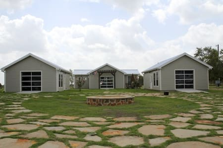 5 Modern Cottages  views of Austin - Garfield - Villa