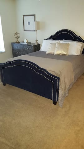 Private Bed/Bath in Charlotte, NC - Huntersville - Townhouse