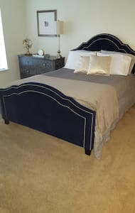 Private Bed/Bath in Charlotte, NC - 特斯維爾(Huntersville) - 連棟房屋