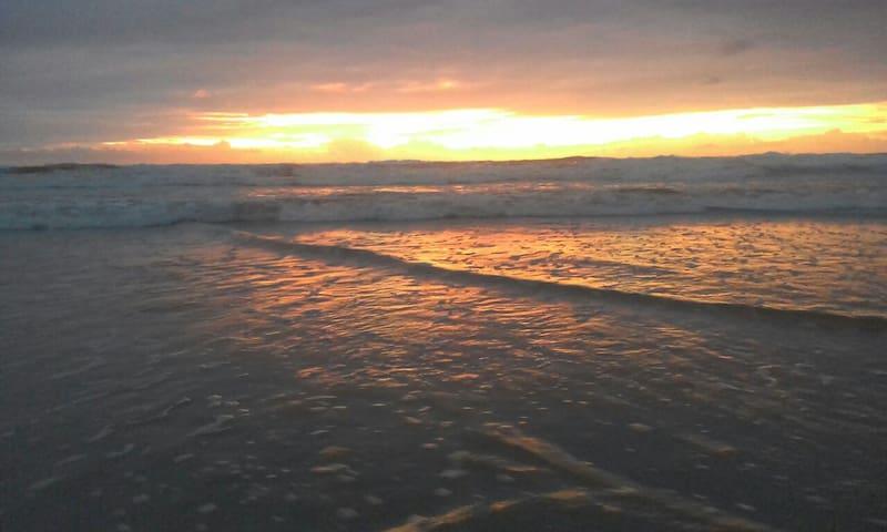 Beach Getaway - Coolum Beach - Apartment