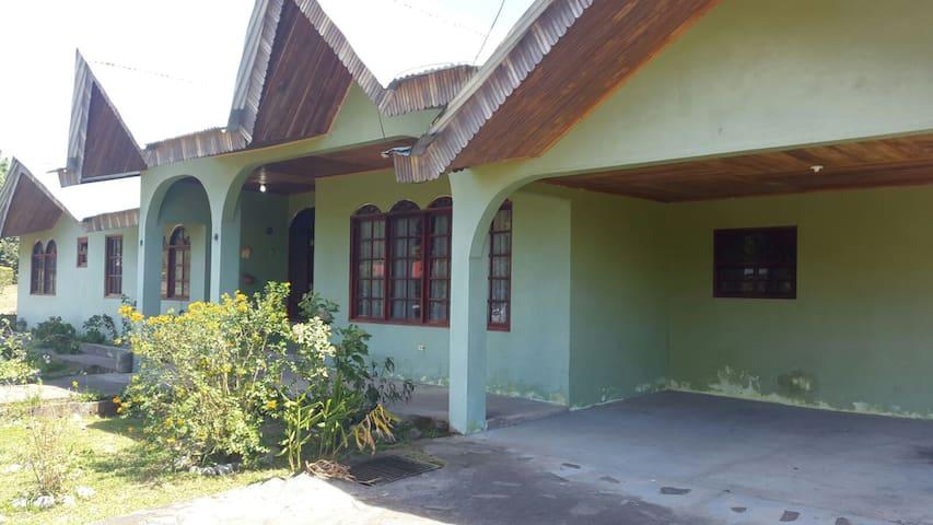 Casa Semi-amueblada en  Volcan - Chiriquí - House