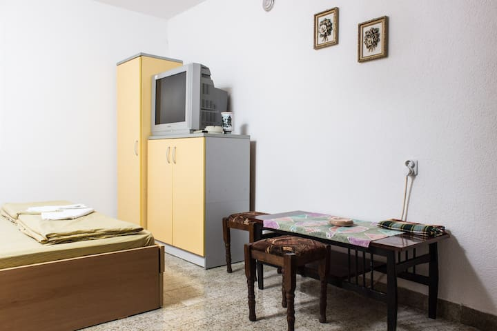 Interesting room for vacation - Ohrid - House