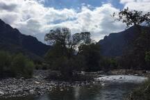 rivière à 5mn à pied