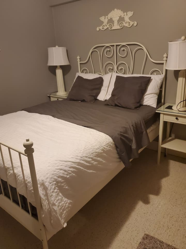 Room available near Humber college (North Campus)