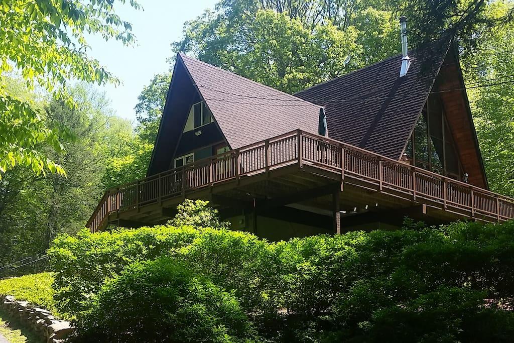 Hudson valley retreat near garrison cold spring - Large summer houses energizing retreat ...