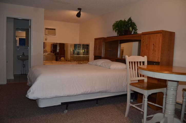 Lake George Suites Jacuzzi Suite
