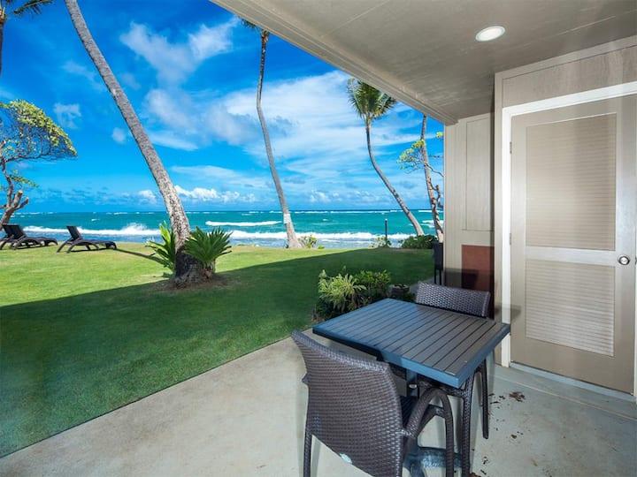 Step to Surf from Lanai! Kitchen, Den, WiFi,  Private Lanai–Kauai Kailani K102