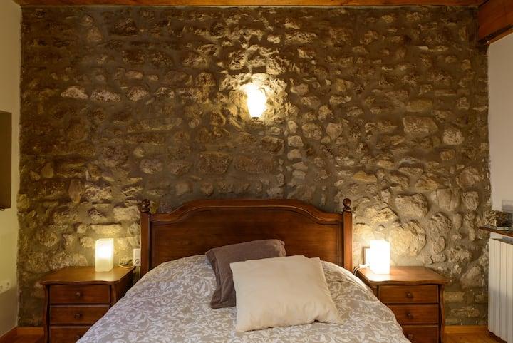 Habitación rústica en Masía en la Vall d' en Bas