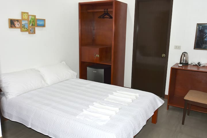 MalapatelDoubleBed (Ground Floor) LongstayDiscount