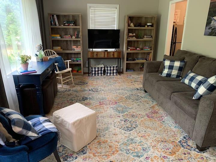 At Home In Carolina-3 BR Cottage-Cute & Convenient