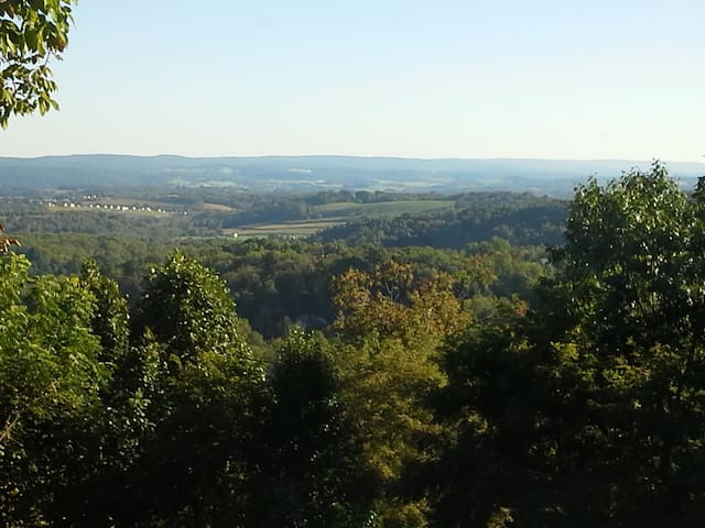 Private 4 Bedroom Home - U.S. Open - Greensburg - 一軒家