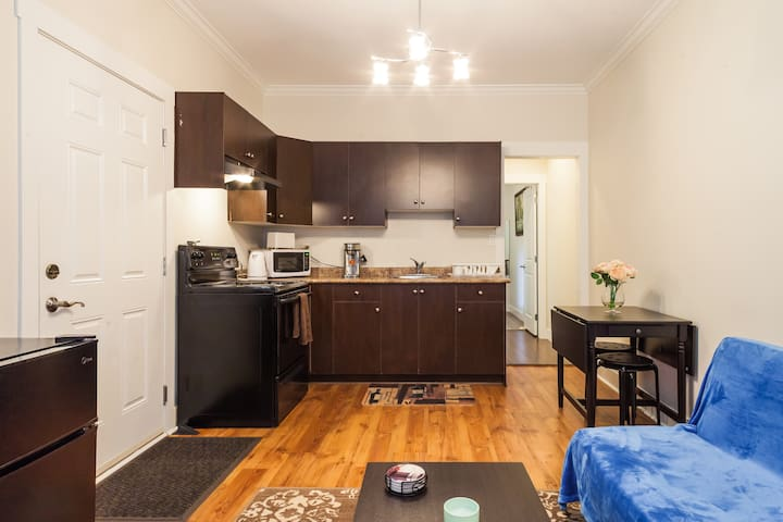 1 Bedroom Unit ; 15 mins to Airport - Richmond - Apartment