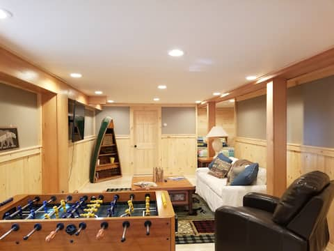 Authentic&Awesome ADK Cabin - Sleeps 10