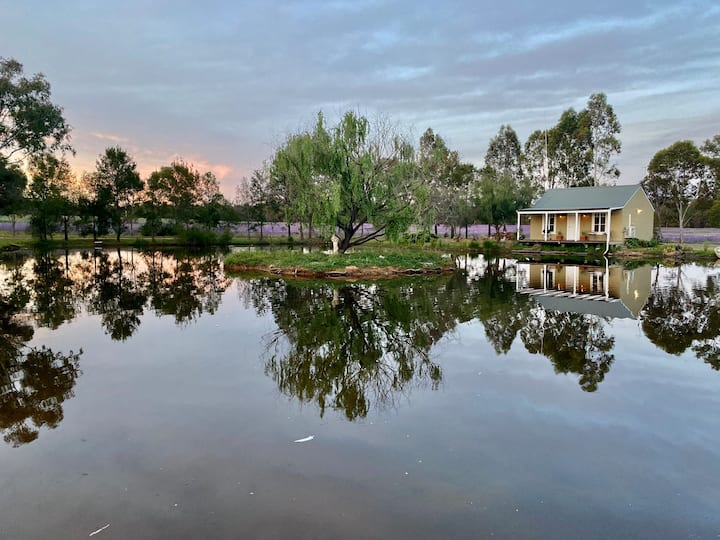 Charming renovated cottage close to Dubbo