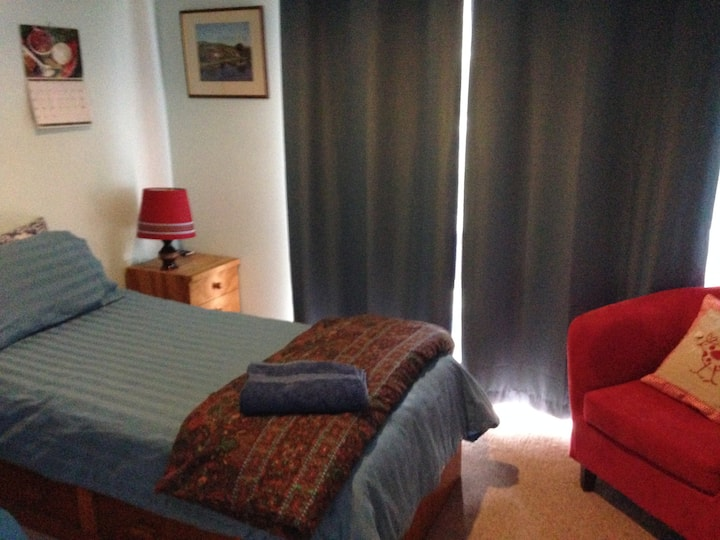 Single Room - Private House in Wanniassa $44
