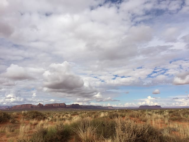 Tent Campn WiFi with a full sized bed and linens - Oljato-Monument Valley - Barraca