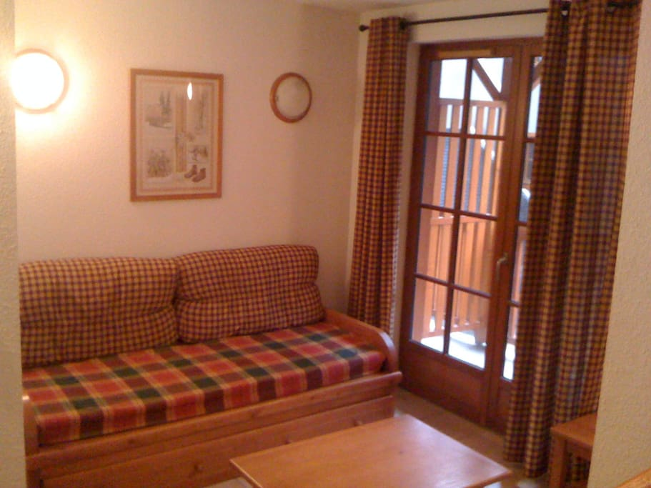 Salon et balcon