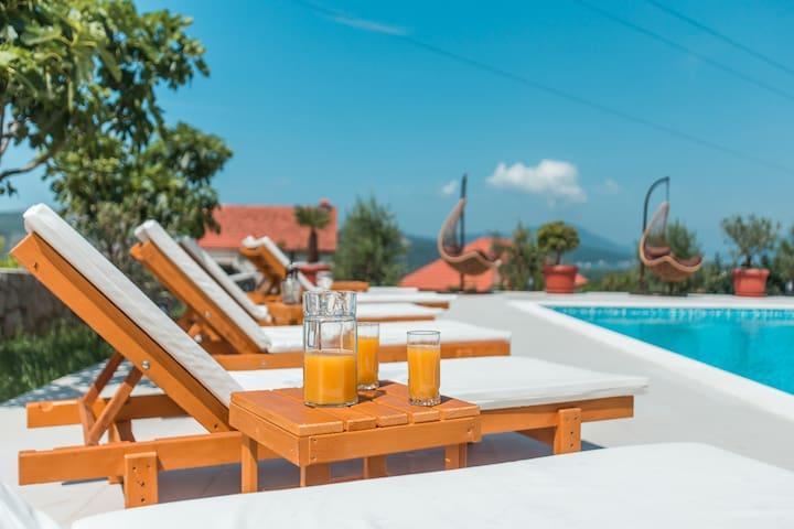 Villa Mina in Dub (Kotor)