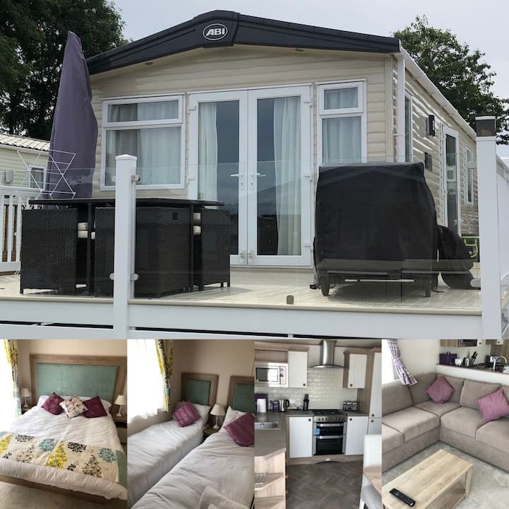 Superior luxury 2 bed caravan