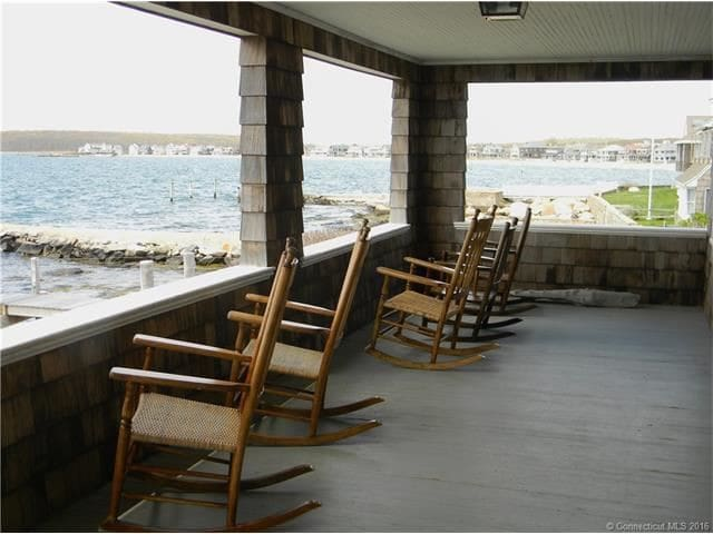 Groton Long Point Ocean Front Cottage - Groton - House