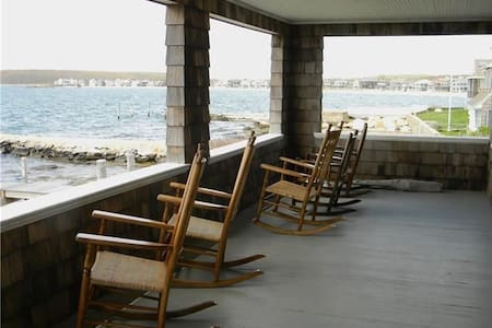 Groton Long Point Ocean Front Cottage - Groton - บ้าน