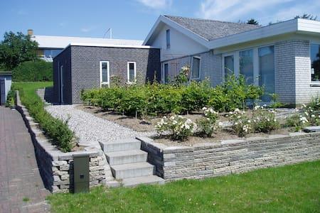 Holiday home in quiet neighbourhood - Broager