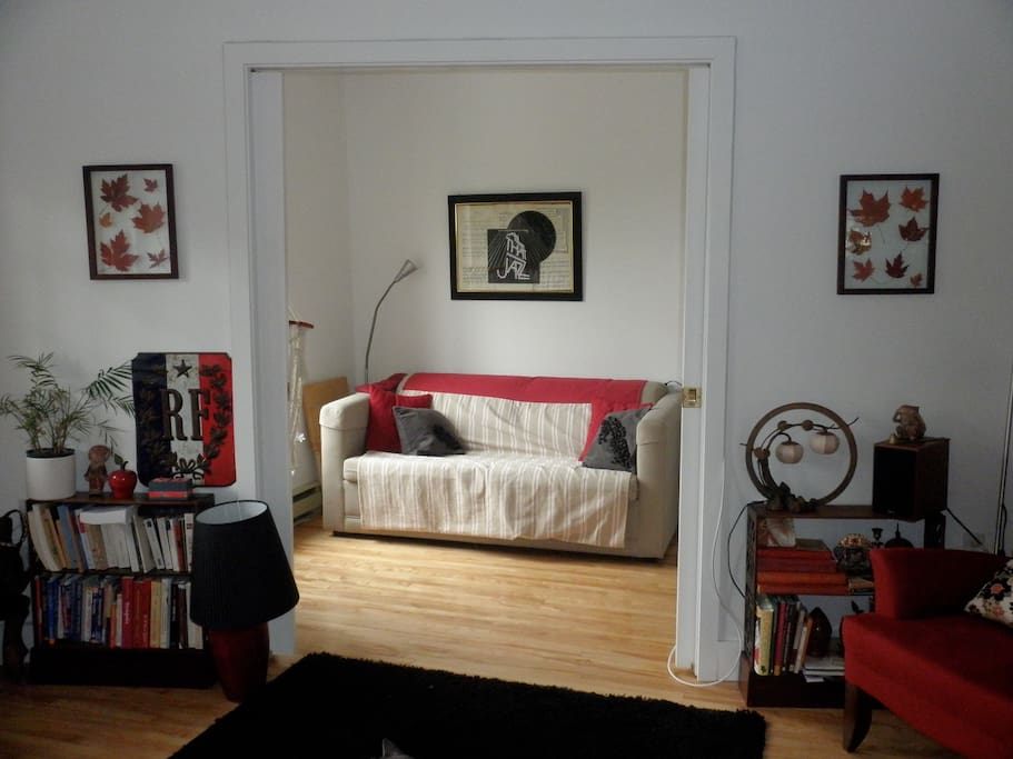 The boudoir is furnished with a sofa-bed (sleeps 2). French doors can be closed to turn it into a small second bedroom.