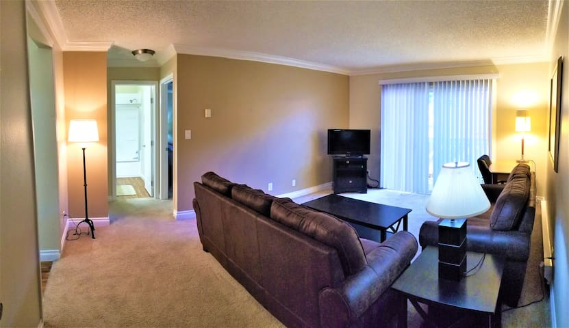 Furnished 2 bed/2 bath Unit #S5
