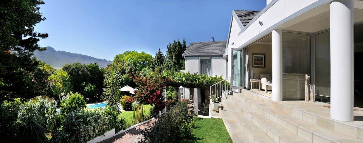 Alba House Bed and Breakfast - Paarl - Bed & Breakfast