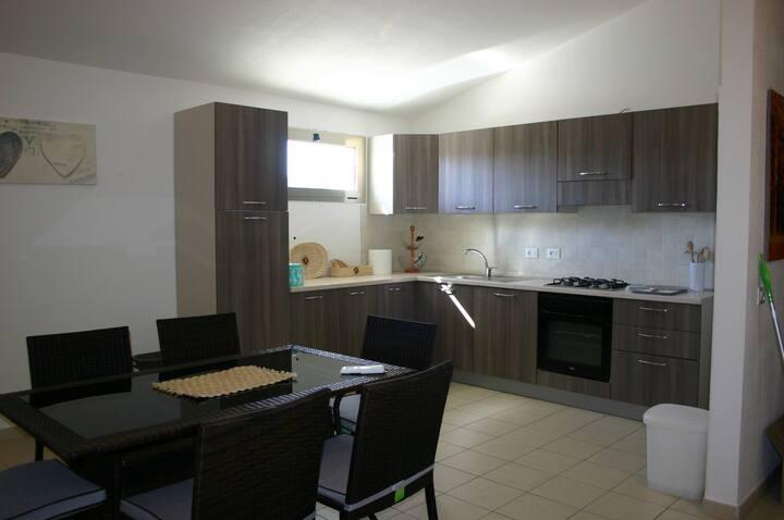 casa con terrazzo a Tortolì