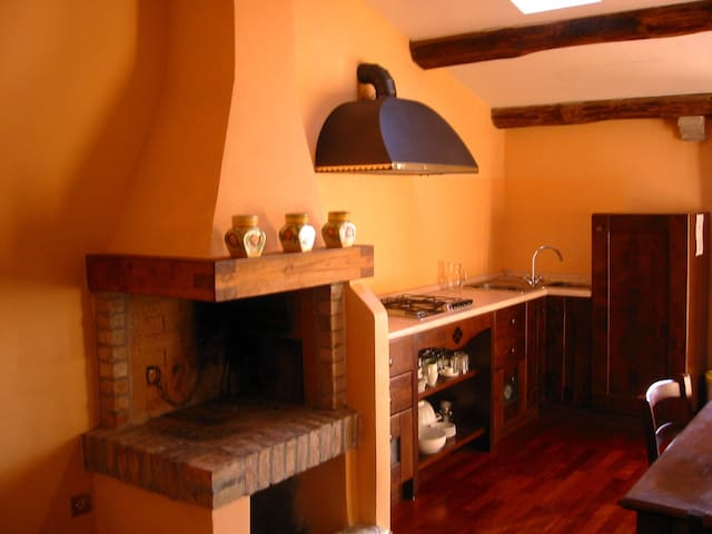 Accogliente  apt 4 pax  con camino - Castelnuovo Berardenga
