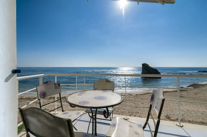Casa Riva - Vacation Rental by the Sea in Torre Pali